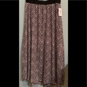 Lularoe Lucy Skirt Size XL (16-18) NWT
